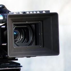 Wir produzieren Ihren Werbefilm oder streamen Ihren Vortrag, Konzert, Event Live.